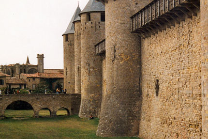 Carcassonne - Burgmauer in der Stadt September 1999