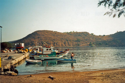 am Hafen in Skala September 2000