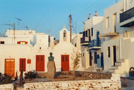 Denkmal der Manto Mavrojenous in Mykonos September 1997